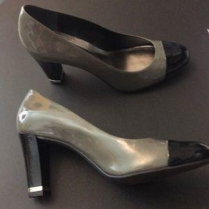 Ann Taylor heels size 6.5 EUC patent leather